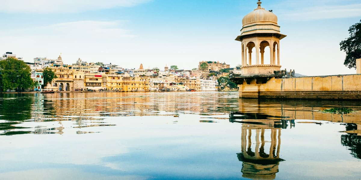 Udaipur tours to the lake